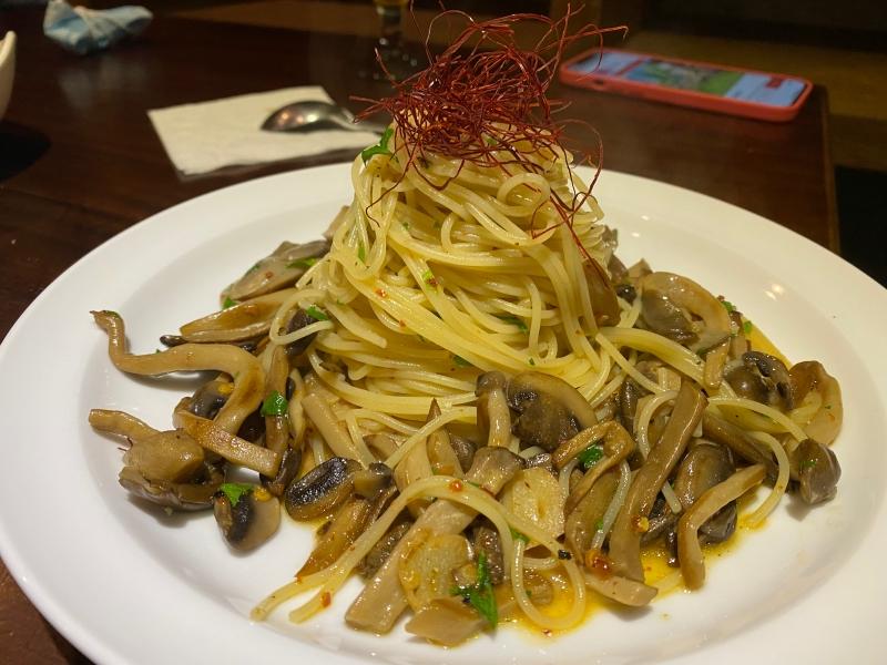 台北大安區美式健康(全)素食餐廳推薦 | Uncle Q 創意蔬食。SBL球員老闆的巧思佳餚 @林飛比。玩美誌