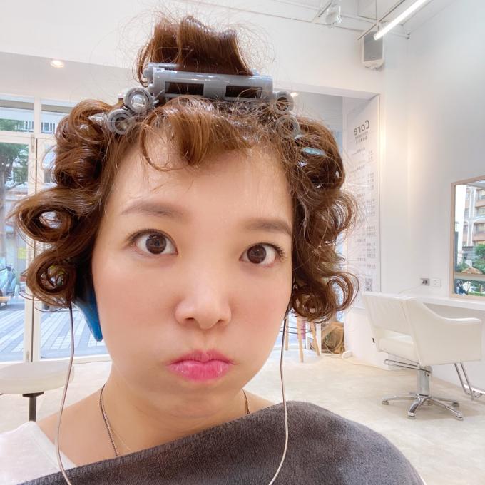 桃園南崁美髮分享 | core hair salon。自然燙髮 捲度蓬鬆 @林飛比。玩美誌
