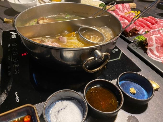 桃園美食火鍋餐廳推薦 | PERCENT SHABU 熟成肉火鍋專賣店,不同於一般的肉質與餐點 @林飛比。玩美誌