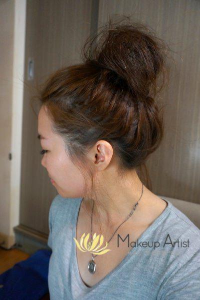 髮型教學 | 夏日必學丸子頭 超簡單又清爽!中長髮簡易造型教學 @林飛比。玩美誌