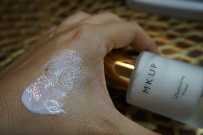 飾底乳 | 360°自然光澤肌。MKUP-5D琉璃光飾底乳 @林飛比。玩美誌